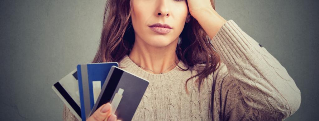 seu cartão de crédito pode ser negado se você possuir empréstimos ou o nome sujo!